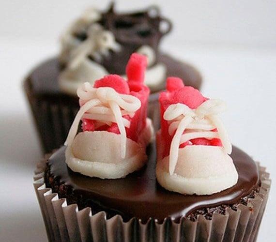 Creative-Chocolate-Cupcake-Ideas-Designs-12